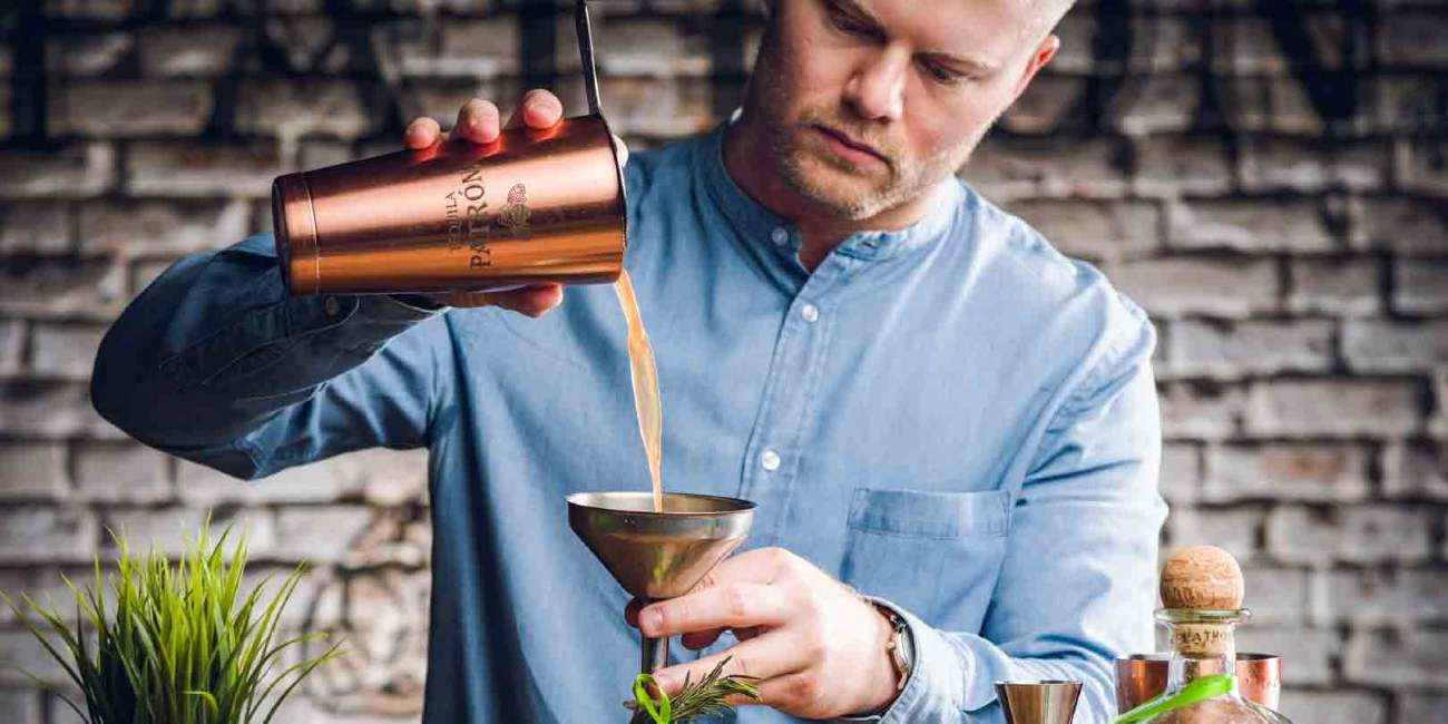 hire cocktail bartenders in London